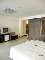 プーケット パトンビーチのホテル : パトン パラゴン リゾート&スパ(Patong Paragon Resort & Spa)のプールアクセスルームの設備 Bedroom