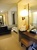 プーケット パトンビーチのホテル : パトン パラゴン リゾート&スパ(Patong Paragon Resort & Spa)のプールアクセスルームの設備 Bathroom
