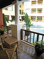 プーケット パトンビーチのホテル : パトン パラゴン リゾート&スパ(Patong Paragon Resort & Spa)のジュニア スイートルームの設備 Balcony