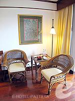 パタヤ サウスパタヤのホテル : アヴァニ パタヤ リゾート&スパ(AVANI Pattaya Resort & Spa)のデラックス ルームルームの設備 Sitting Area