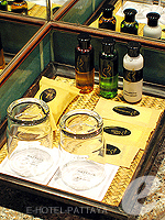 パタヤ サウスパタヤのホテル : アヴァニ パタヤ リゾート&スパ(AVANI Pattaya Resort & Spa)のデラックス ルームルームの設備 Bath Amenities