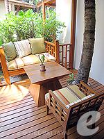 パタヤ サウスパタヤのホテル : アヴァニ パタヤ リゾート&スパ(AVANI Pattaya Resort & Spa)のテラス スイートルームの設備 Terrace Deck