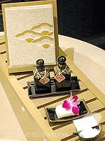 パタヤ サウスパタヤのホテル : アヴァニ パタヤ リゾート&スパ(AVANI Pattaya Resort & Spa)のテラス スイートルームの設備 Bath Amenities