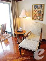 パタヤ サウスパタヤのホテル : アヴァニ パタヤ リゾート&スパ(AVANI Pattaya Resort & Spa)の1ベッドルーム スイートルームの設備 Chair