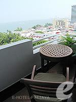 パタヤ サウスパタヤのホテル : アヴァニ パタヤ リゾート&スパ(AVANI Pattaya Resort & Spa)の1ベッドルーム スイートルームの設備 Balcony