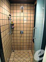 パタヤ サウスパタヤのホテル : アヴァニ パタヤ リゾート&スパ(AVANI Pattaya Resort & Spa)の1ベッドルーム スイートルームの設備 Shower Booth