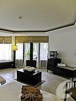 クラビ カップル&ハネムーンのホテル : ピース ラグーナ リゾート(Peace Laguna Resort & Spa)のスーペリア コテージルームの設備 Bedroom