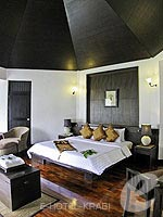 クラビ カップル&ハネムーンのホテル : ピース ラグーナ リゾート(Peace Laguna Resort & Spa)のデラックス コテージルームの設備 Bedroom