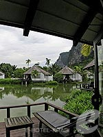 クラビ カップル&ハネムーンのホテル : ピース ラグーナ リゾート(Peace Laguna Resort & Spa)のプライベート コテージルームの設備 Balcony