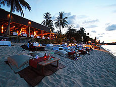 Beachside Restaurant / Peace Resort, หาดบ่อผุด