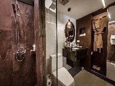 サムイ島 ボプットビーチのホテル : ピース リゾート(Peace Resort)のスーペリア バンガロールームの設備 Bathroom