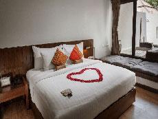 サムイ島 ボプットビーチのホテル : ピース リゾート(Peace Resort)のデラックス プルンジ プールルームの設備 Bedroom