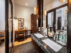サムイ島 ボプットビーチのホテル : ピース リゾート(Peace Resort)のデラックス プルンジ プールルームの設備 Bathroom