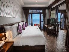 サムイ島 ボプットビーチのホテル : ピース リゾート(Peace Resort)のビーチフロント プール ヴィラルームの設備 Bedroom