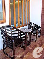 プーケット カタビーチのホテル : ピーチ ブロッサム リゾート(Peach Blossom Resort)のグランド デラックスルームの設備 Balcony