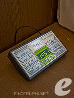 プーケット プールヴィラのホテル : ピーチヒル ホテル&リゾート(Peach Hill Hotel & Resort)のスーペリアルームの設備 Bedside Controller