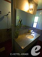 クラビ ピピ島のホテル : ピピ ビラ リゾート(Phi Phi Villa Resort)のラグジュラリー デラックス ビラルームの設備 Bath Room