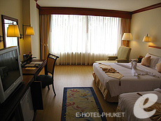 Superior : Phuket Graceland Resort & Spa, USD 50-100, Phuket