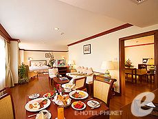 Family Suite (1 Bed Room) : Phuket Graceland Resort & Spa, USD 50-100, Phuket