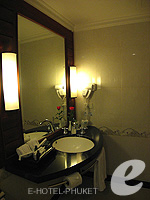 Bathroom : Family Suite (2 Bed Room) at Phuket Graceland Resort & Spa, USD 50-100, Phuket