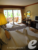 Bedroom : Deluxe at Phuket Graceland Resort & Spa, USD 50-100, Phuket