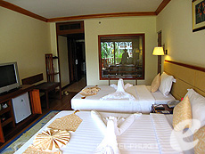 Deluxe : Phuket Graceland Resort & Spa, USD 50-100, Phuket