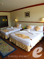 Bedroom : Grand Deluxe at Phuket Graceland Resort & Spa, USD 50-100, Phuket