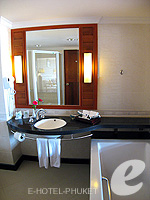 Living Room : Grand Deluxe at Phuket Graceland Resort & Spa, USD 50-100, Phuket