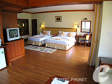 Family Room : Phuket Graceland Resort & Spa, USD 50-100, Phuket