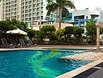 Swimming Pool / President Palace Hotel, สุขุมวิท