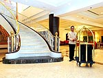 Entrance / President Solitaire Hotel & Spa, มีสปา