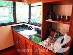 サムイ島 チョンモーンビーチのホテル : バイヨーク シーコースト サムイ(Baiyoke Seacoast Resort)のデラックス パビリオンルームの設備 Simple Kitchen