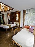 クラビ ライレイのホテル : ライレイ ビレッジ リゾート(Railay Village Resort & Spa)のジャグジー ヴィラルームの設備 Sitting Area