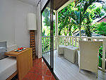 プーケット カロンビーチのホテル : ラマダ プーケット サウスシー(Ramada Phuket Southsea)のスーペリア(シングル)ルームの設備 Balcony