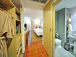 プーケット カロンビーチのホテル : ラマダ プーケット サウスシー(Ramada Phuket Southsea)のデラックス クラブ プールビュー(シングル)ルームの設備 Bedroom