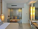プーケット カロンビーチのホテル : ラマダ プーケット サウスシー(Ramada Phuket Southsea)のデラックス クラブ プール ビュー(ツイン)ルームの設備 Bedroom