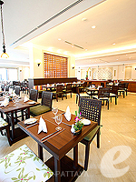 Restaurant / Ravindra Beach Resort & Spa, หาดจอมเทียน