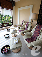 Foot Massage : Ravindra Beach Resort & Spa, Fitness Room, Phuket
