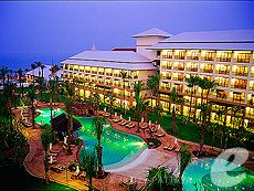 Hotels in Pattaya / Ravindra Beach Resort & Spa