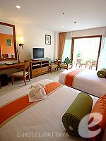 パタヤ ジョムティエンビーチのホテル : ラビンドラ ビーチ リゾート & スパ(Ravindra Beach Resort & Spa)のスーペリア ルームルームの設備 Bedroom
