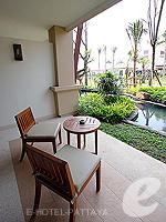 パタヤ ジョムティエンビーチのホテル : ラビンドラ ビーチ リゾート & スパ(Ravindra Beach Resort & Spa)のスーペリア ルームルームの設備 Balcony