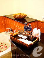 パタヤ ジョムティエンビーチのホテル : ラビンドラ ビーチ リゾート & スパ(Ravindra Beach Resort & Spa)のスーペリア ルームルームの設備 Bath Amenities