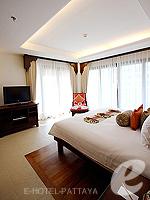 パタヤ ジョムティエンビーチのホテル : ラビンドラ ビーチ リゾート & スパ(Ravindra Beach Resort & Spa)のファミリー スイート 1 ベッド ルームルームの設備 Bedroom