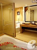 パタヤ ジョムティエンビーチのホテル : ラビンドラ ビーチ リゾート & スパ(Ravindra Beach Resort & Spa)のファミリー スイート 1 ベッド ルームルームの設備 Bathroom