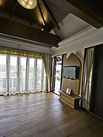 サムイ島 チョンモーンビーチのホテル : ロイヤル ムアン サムイ ヴィラ(Royal Muang Samui Villas)のプール ヴィラ オーシャンビュールームの設備 Living Room