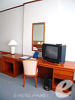 プーケット プーケットタウンのホテル : ロイヤル プーケット シティ ホテル(Royal Phuket City Hotel)のSuperiorルームの設備 Writing Desk