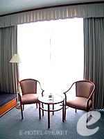 プーケット プーケットタウンのホテル : ロイヤル プーケット シティ ホテル(Royal Phuket City Hotel)のデラックスルームの設備 Relax Area