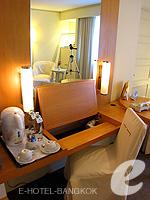 バンコク 王宮・カオサン周辺のホテル : ロイヤル プリンセス ラーン ルアン バンコク(Royal Princess Larn Luang Bangkok)のスーペリアルームの設備 Dresser