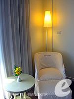 バンコク 王宮・カオサン周辺のホテル : ロイヤル プリンセス ラーン ルアン バンコク(Royal Princess Larn Luang Bangkok)のデラックスルームの設備 View from Balcony