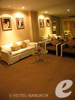 バンコク 王宮・カオサン周辺のホテル : ロイヤル プリンセス ラーン ルアン バンコク(Royal Princess Larn Luang Bangkok)のプリンセス スイートルームの設備 AV Facilities